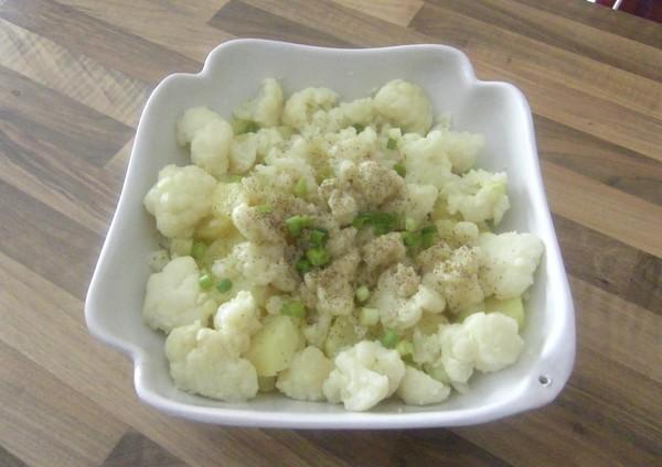 Salade de pommes de terre et chou-fleur